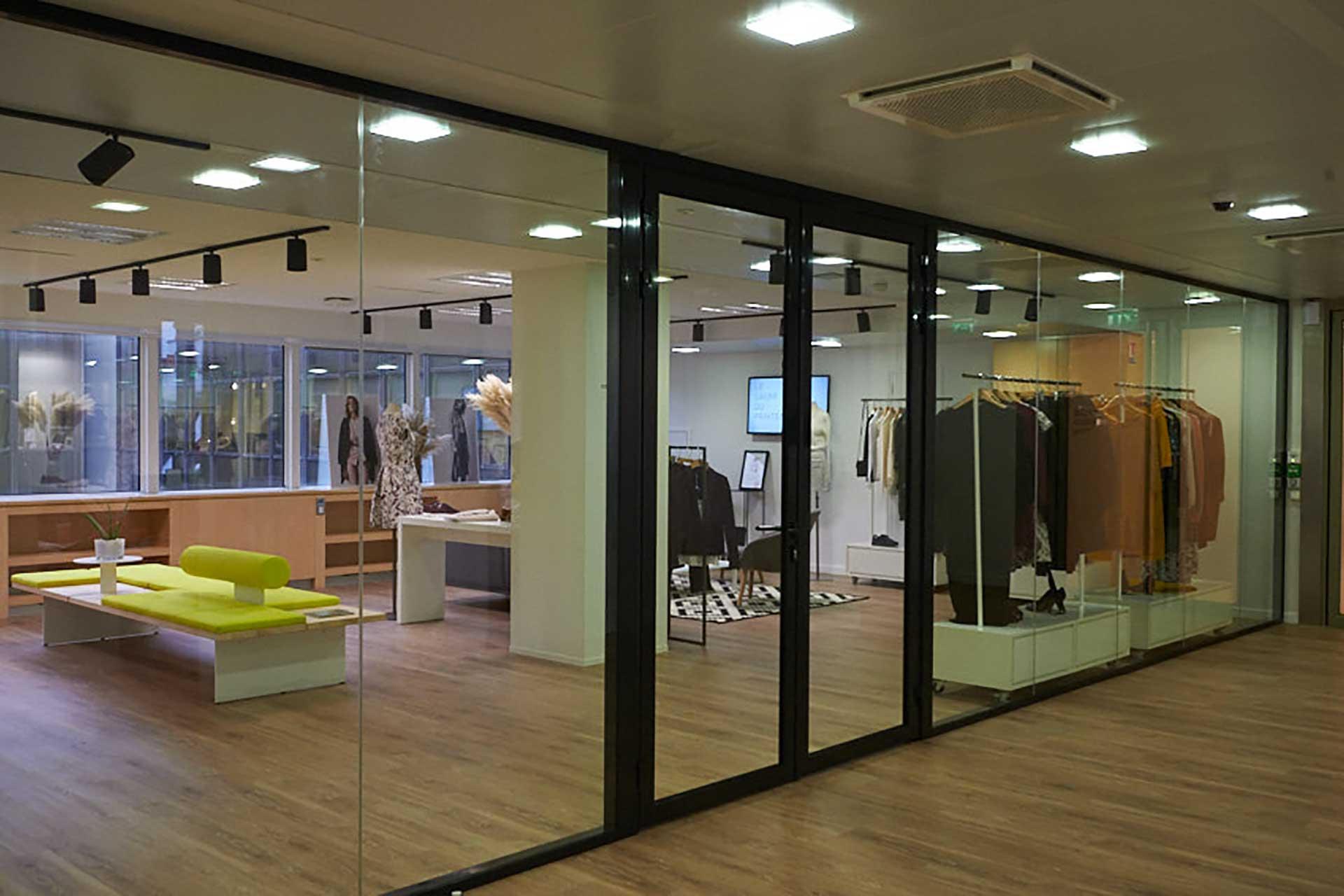 Cloisons amovibles blocs portes cadre aluminium ouvrant double vantaux