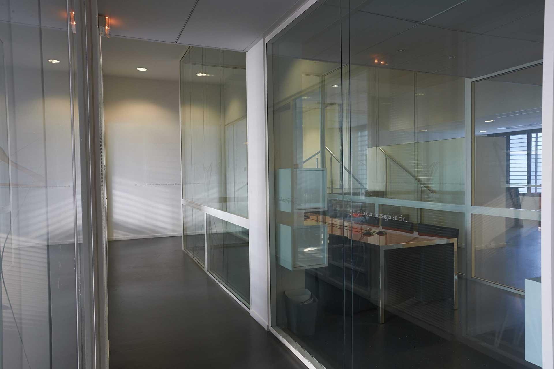 Cloisons amovibles bord à bord vitrées double vitrage clair
