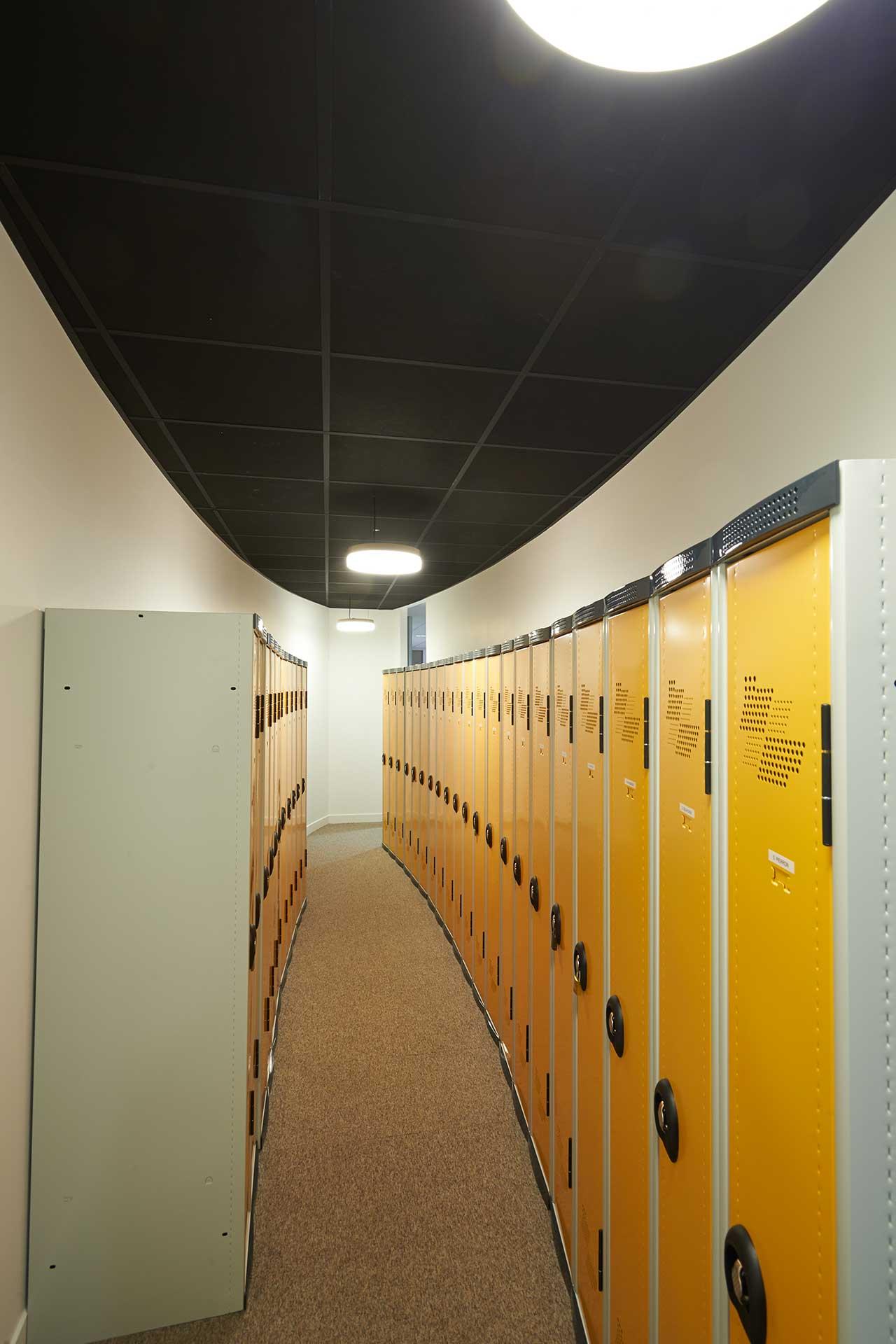 Plafonds suspendus démontables dalles phoniques ossature t de 24 noir