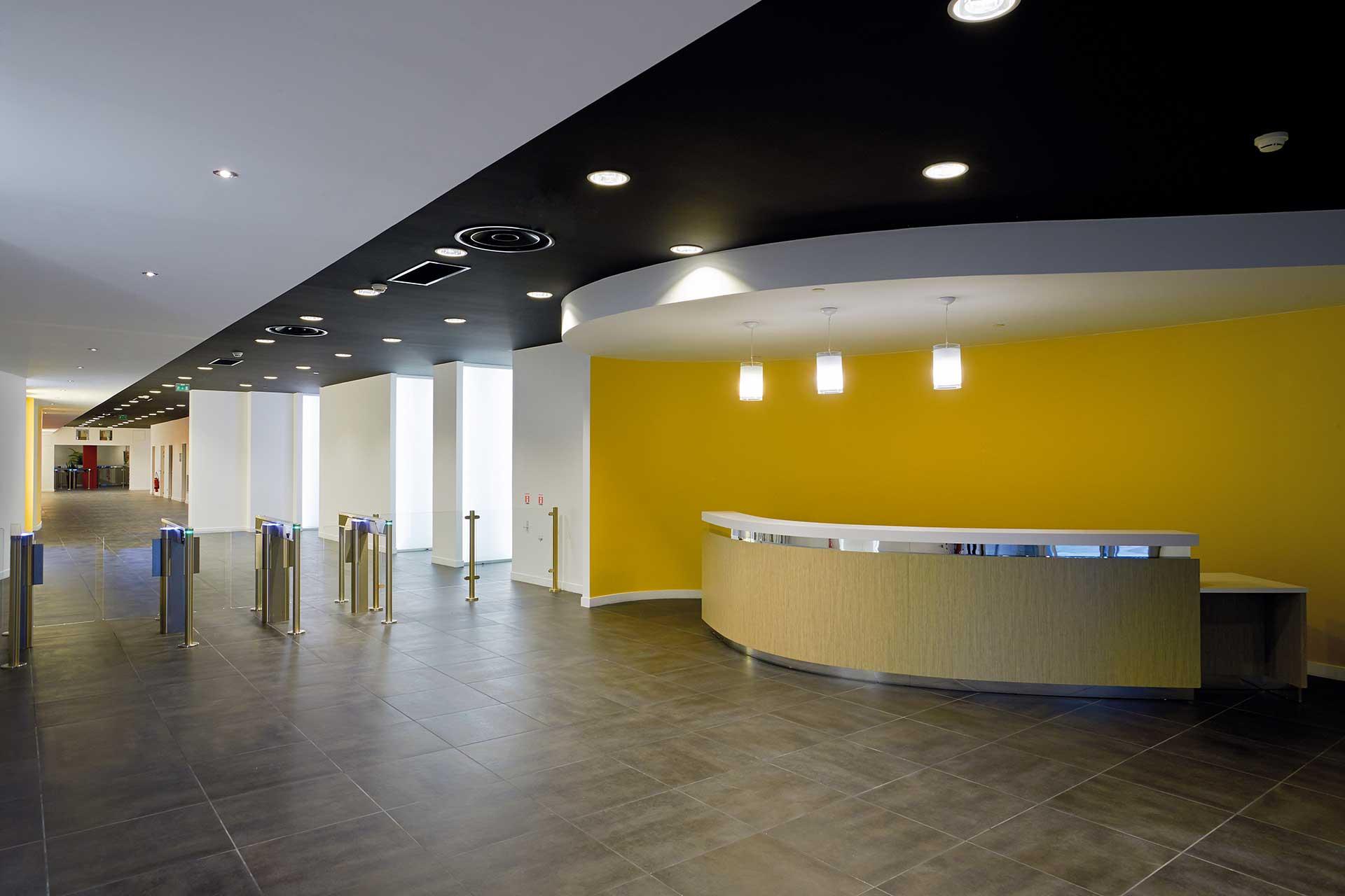 Plafonds suspendus plaque de plâtre en forme