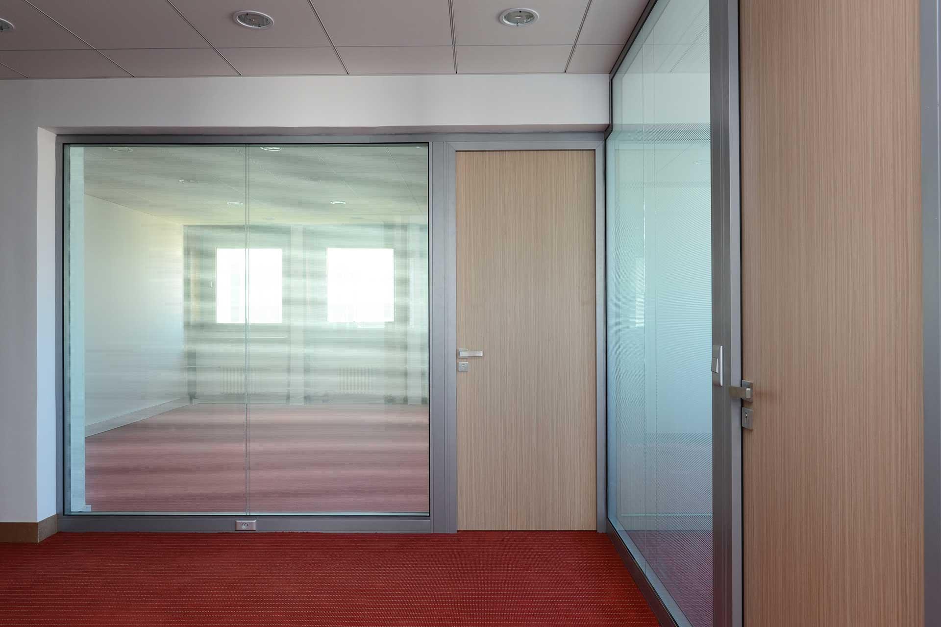 Cloisons amovibles blocs portes cadre aluminium ouvrant poteau électrique
