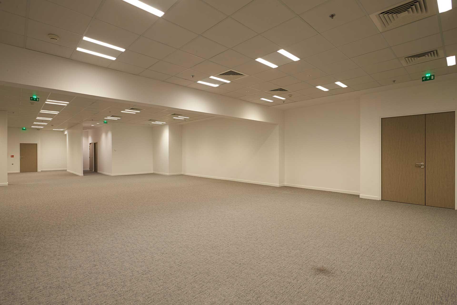 Plafonds suspendus démontables dalles phoniques ossature t de 24 blanc